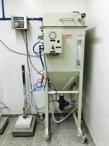 Nuevo equipamiento: Máquina para carga y descarga de extintores de polvo.